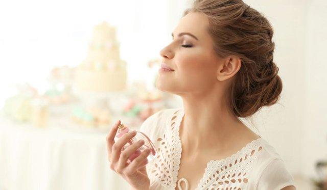 10 mejores perfumes de larga duración para mujeres
