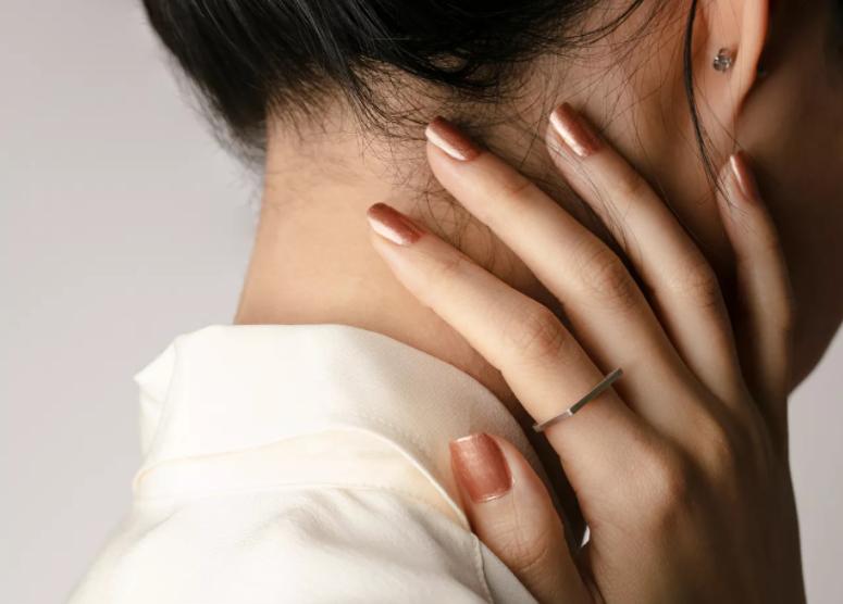 diseño de uñas para novia 2020