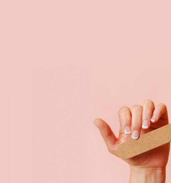 Cómo quitar los acrílicos en casa sin dañar las uñas naturales