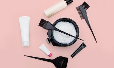 Cómo decolorar tu cabello de forma segura en casa, según los profesionales del color